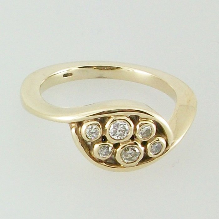 Nevis Ring Diamond 9ct