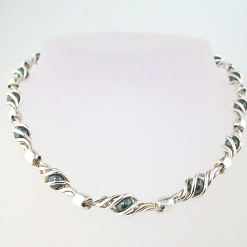 Eilidh Hematite Necklace