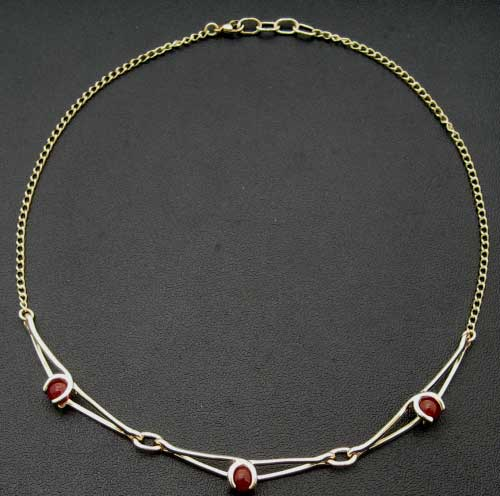 Enya Necklace 9ct 3 link