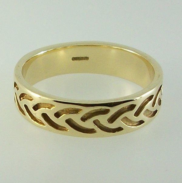 Strath Ring 9ct