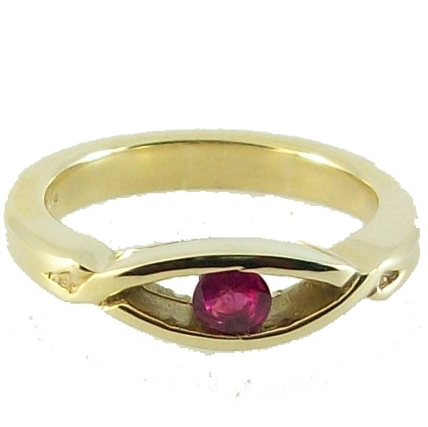 Lochnagar Ruby Ring