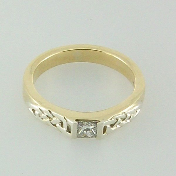Carloway Diamond Ring 9ct