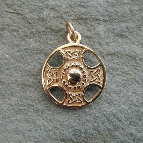 St Fillan Gold Charm 9ct