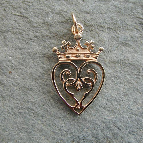 Queen Mary Charm 9ct Gold