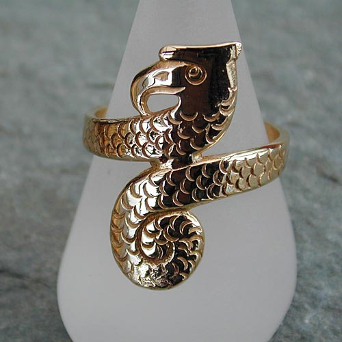 Serpentine 9ct Gold