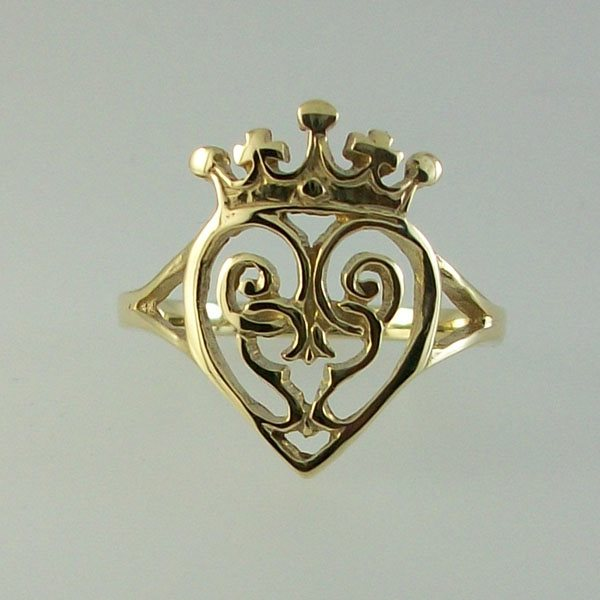 Queen Mary 9ct Gold