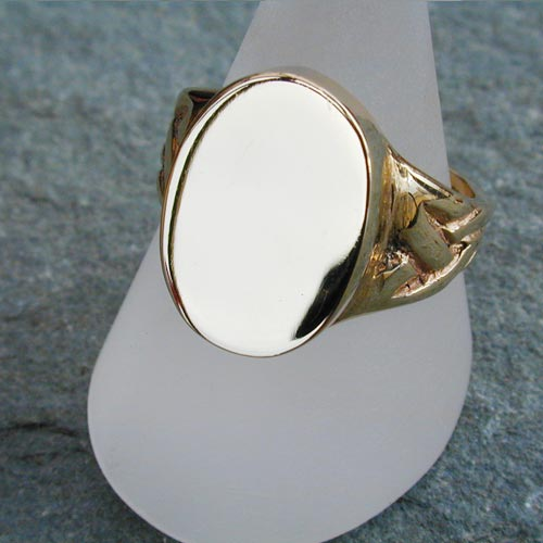 Ring135 9ct Gold