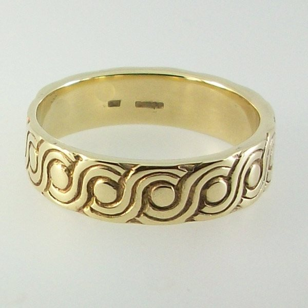 Hebridean Ring 9ct Gold